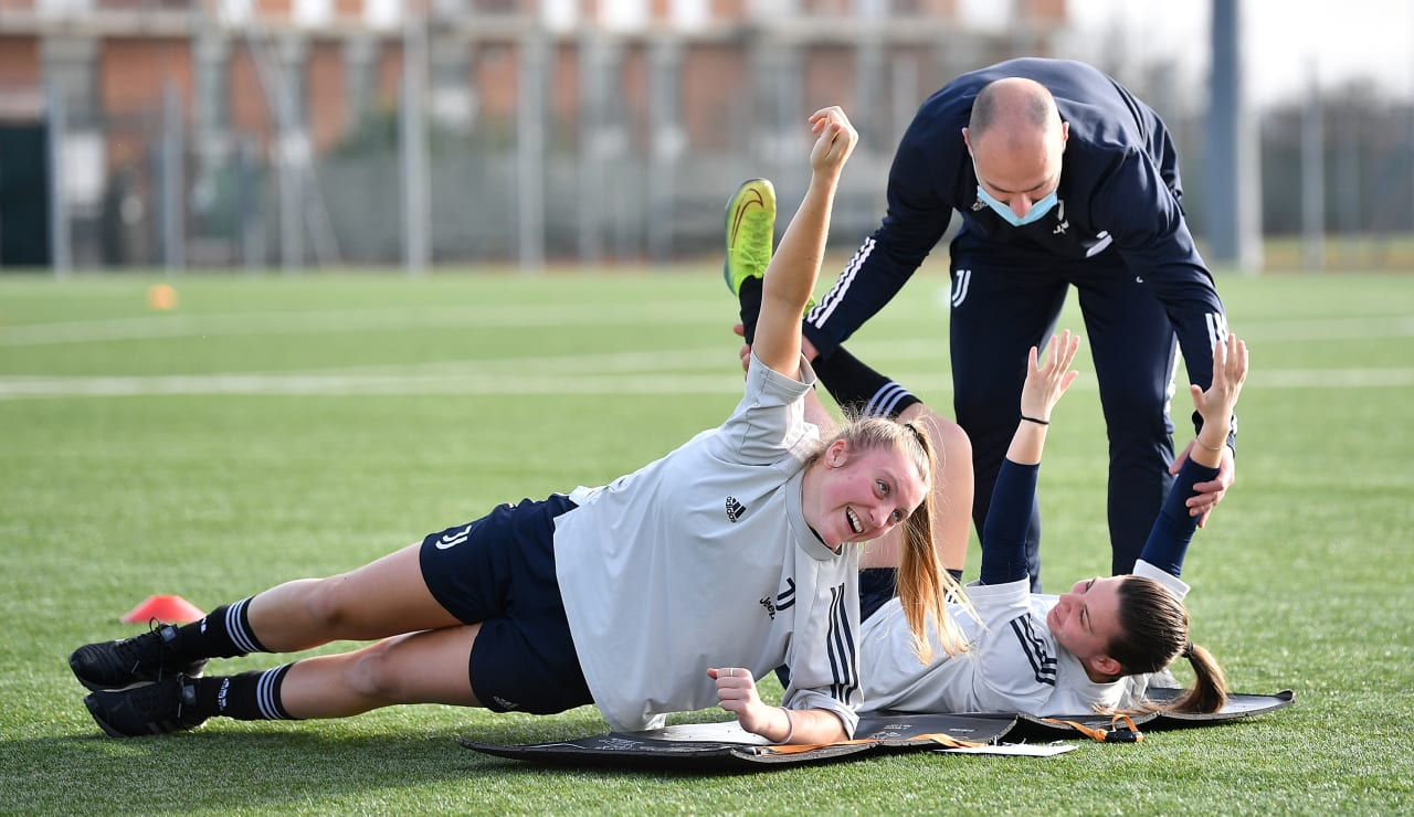 U19 Women Training (18)