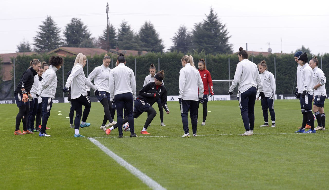 Women UWCL Training (14)