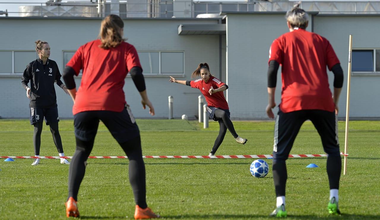 20201117_women_training_25