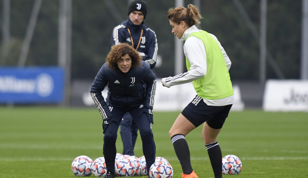 Women UWCL Training (12)