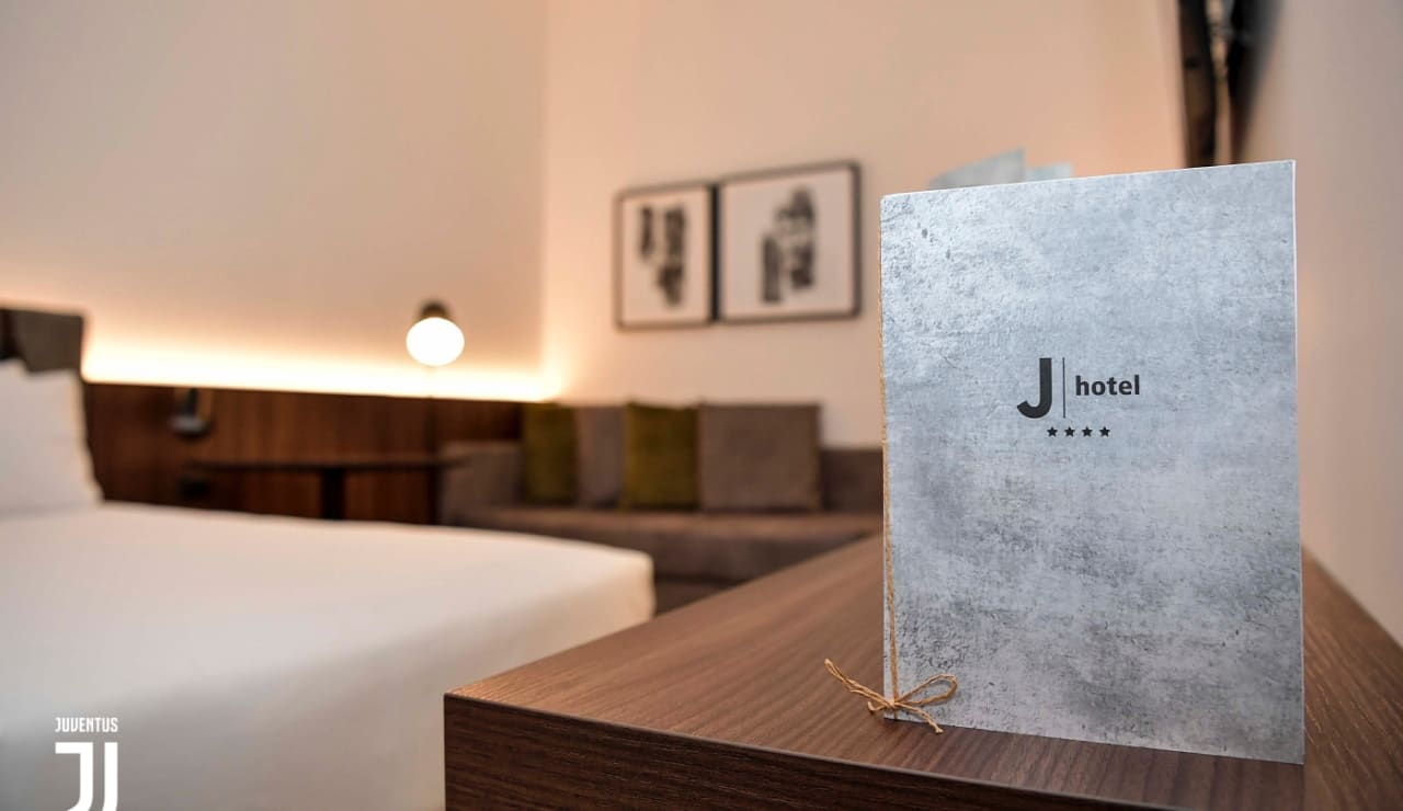 jhotel02.jpg