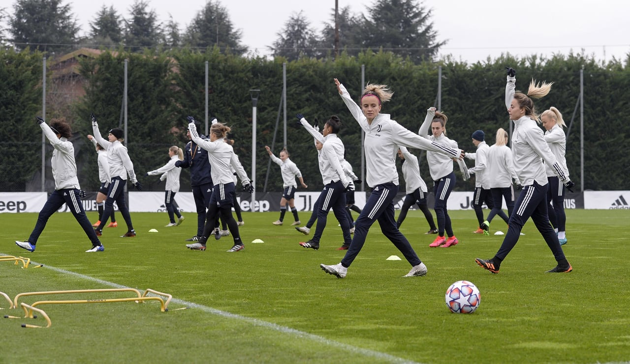 Women UWCL Training (15)