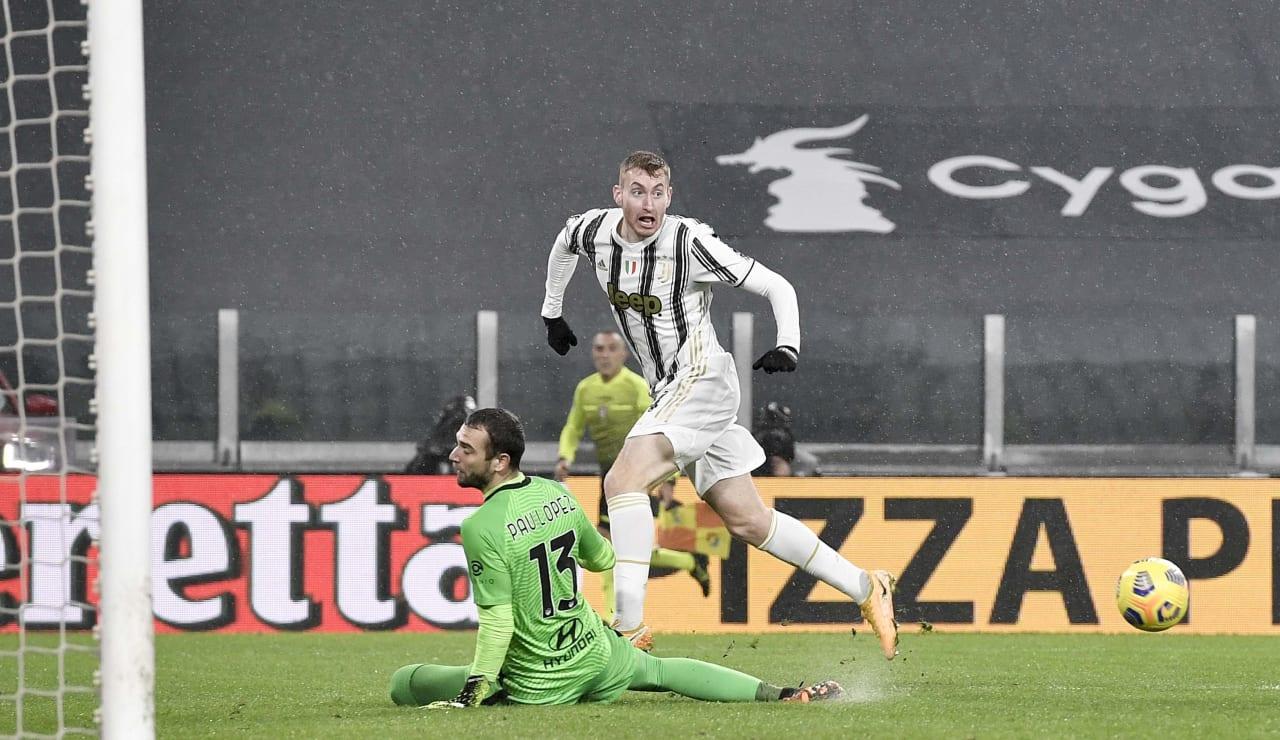15_J024004_2021020673031992_20210206073653_Juventus_Roma