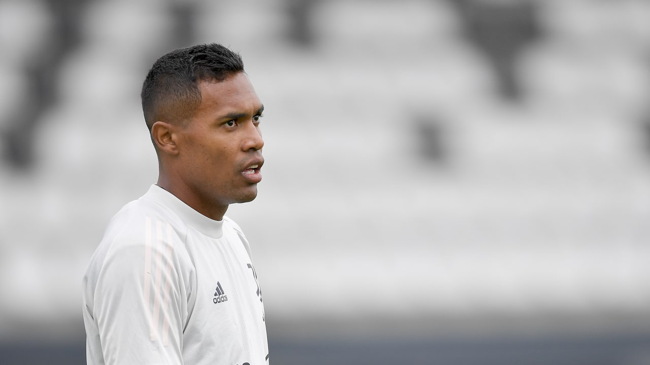 alex sandro training