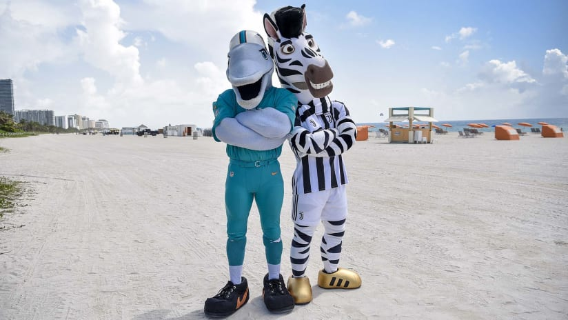 Juventus Invaders | Mascot mischief in Miami!