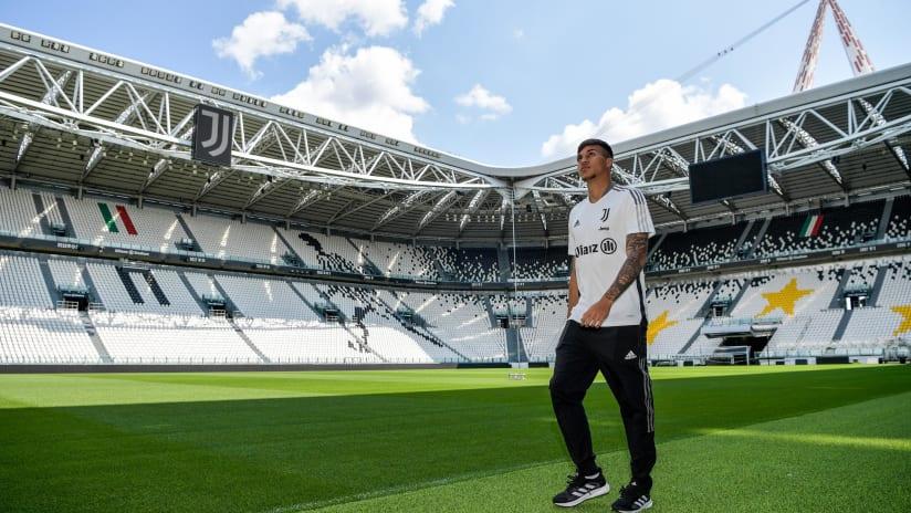 Kaio Jorge's official Juventus presentation!