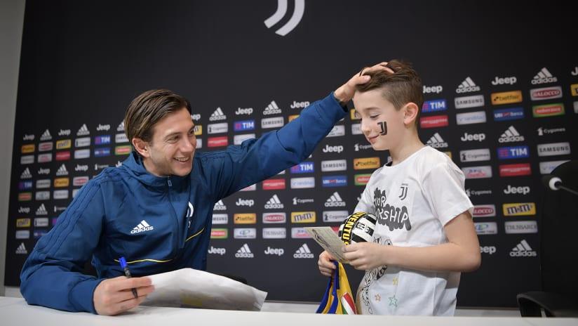 Federico Bernardeschi incontra i Junior Reporter