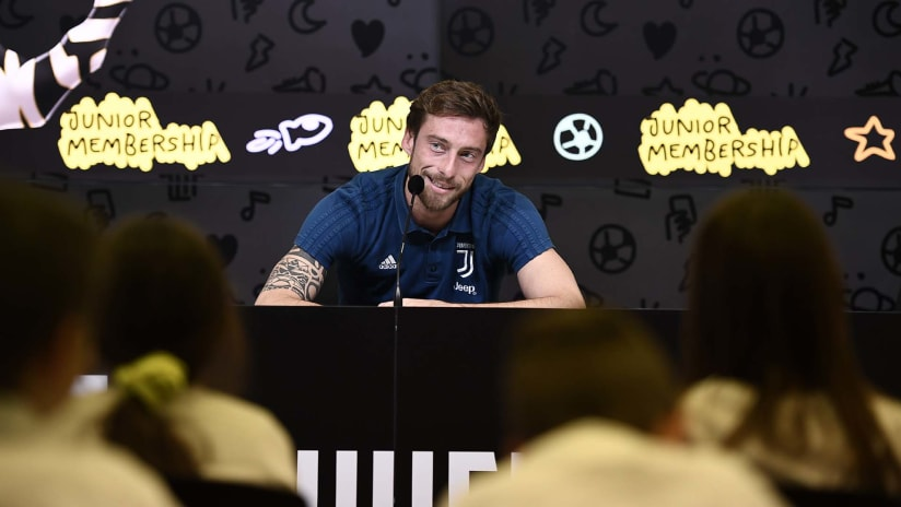 Claudio Marchisio meets Junior Reporters