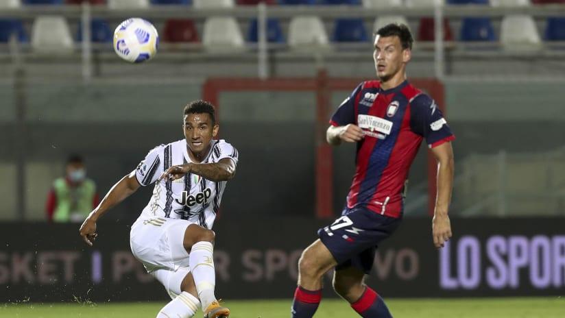 Pitchside view | Matchweek 4 | Crotone - Juventus