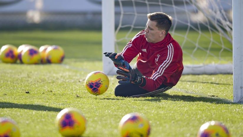 Training | Szczesny Cam