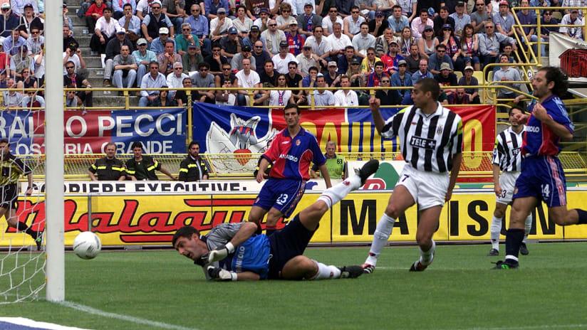 History   2001: i 10 momenti clou di Bologna - Juventus