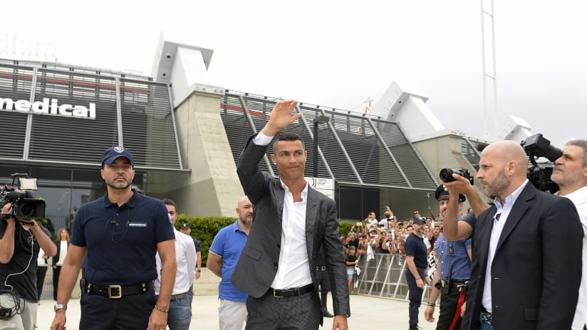 VR | The arrival of Cristiano Ronaldo from a unique point of view