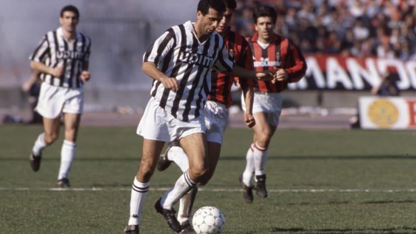 History   1990: i 10 momenti clou di Milan - Juventus