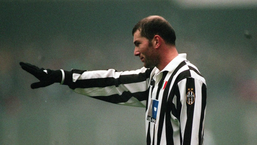 Zinedine Zidane at Juventus was a Midfield Master | Best Dribbling, Goals & Skills!