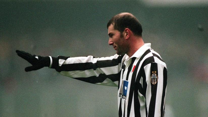 Zinedine Zidane at Juventus was a Midfield Master | Best Dribbling, Goals & Skills!