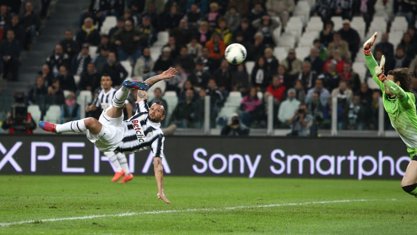 The Best Juventus Acrobatic Goals!