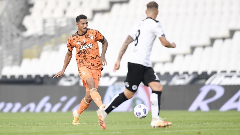 Pitchside view | Matchweek 6 | Spezia - Juventus