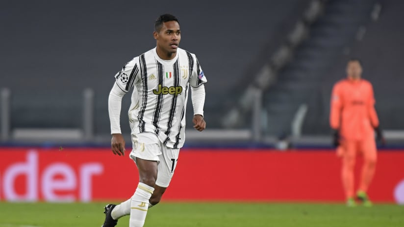 Juventus - Ferencvaros | Alex Sandro: «Happy for the victory and for the 90mins on the pitch»
