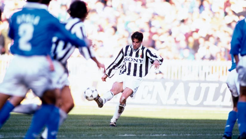 History | The birth of the goal 'alla Del Piero'