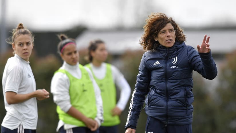 Women | Guarino on the eve of the trip to Florence