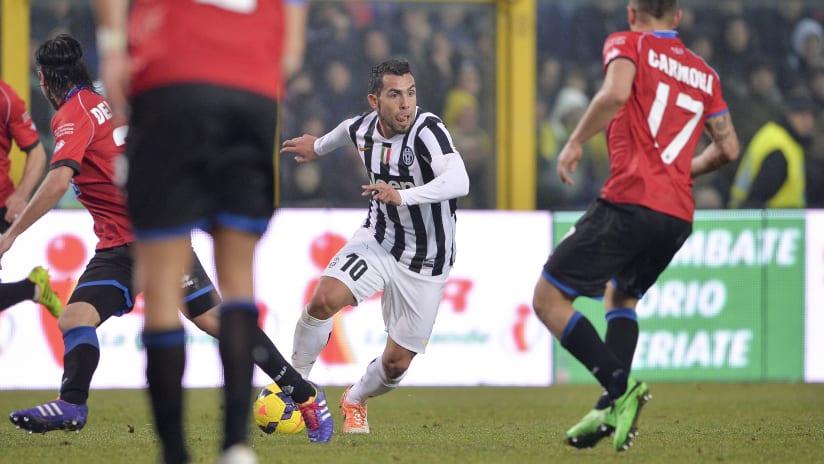 Protagonisti | Atalanta-Juventus: Carlos Tevez, 3 gol in 2 partite