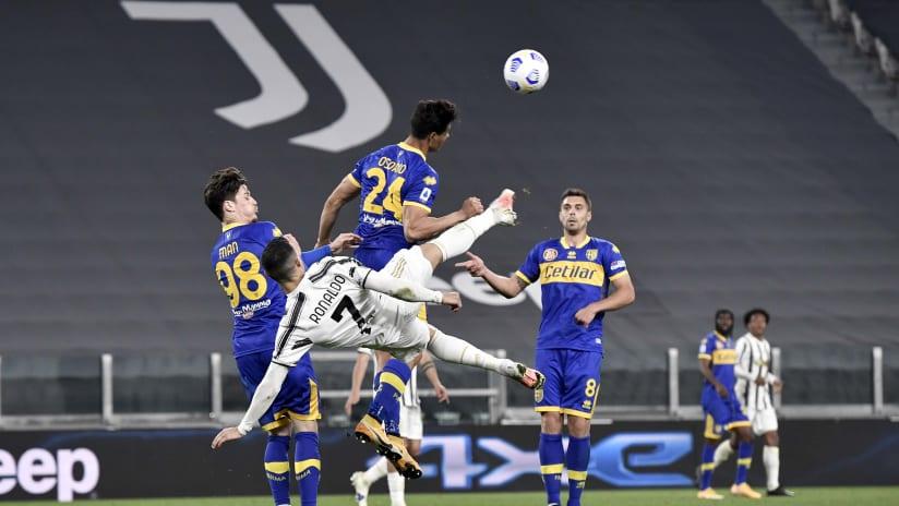 Pitchside view | Matchweek 32 | Juventus - Parma