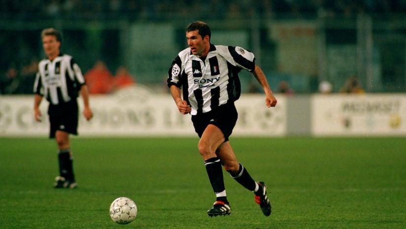 Zinedine Zidane: dribbling, skills & goals!