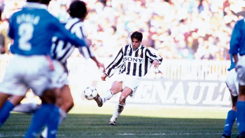 History | La nascita del gol alla Del Piero