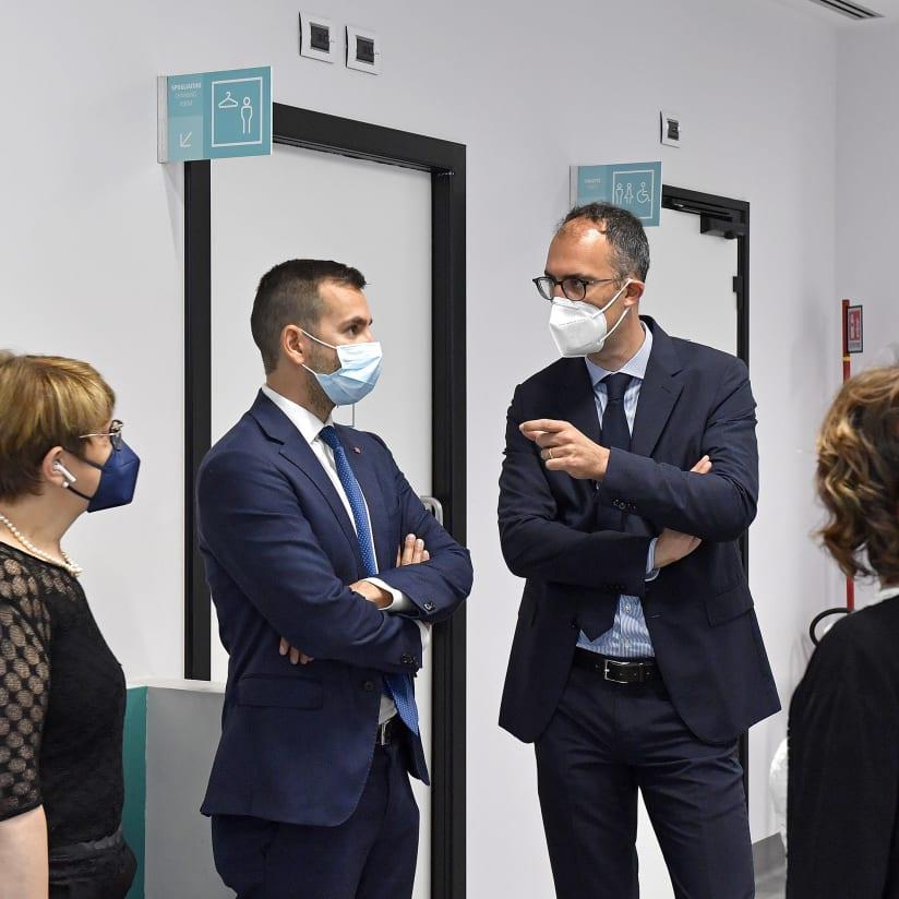 Gallery   L'inaugurazione dell'Hub vaccinale al J Medical