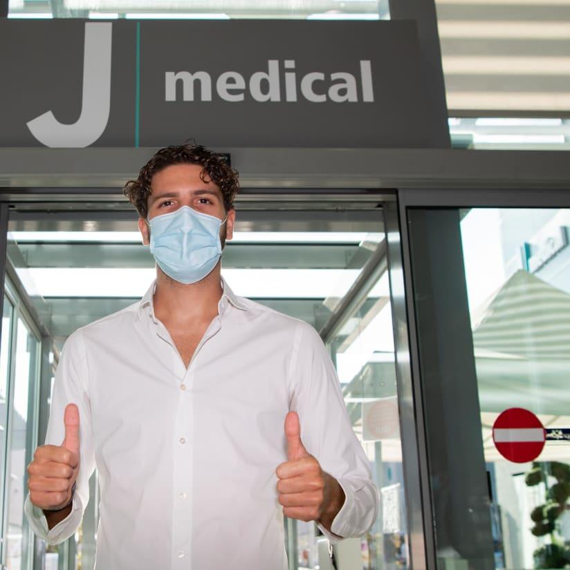 Locatelli chega a Juventus para exames médicos!