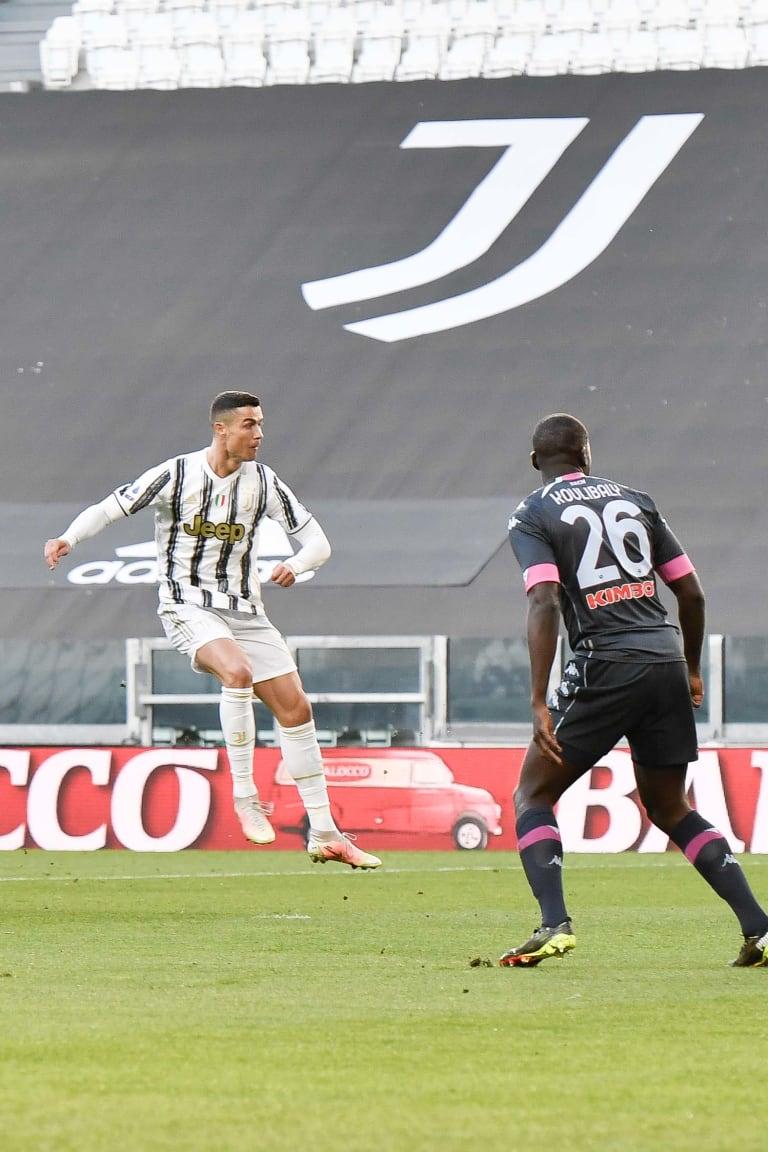 Review: Juventus - Napoli, il gol di Ronaldo